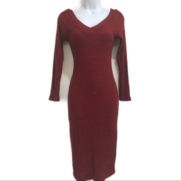 Charlotte Russe Dresses & Skirts - Charlotte Russe Women's burgundy knit dress size M